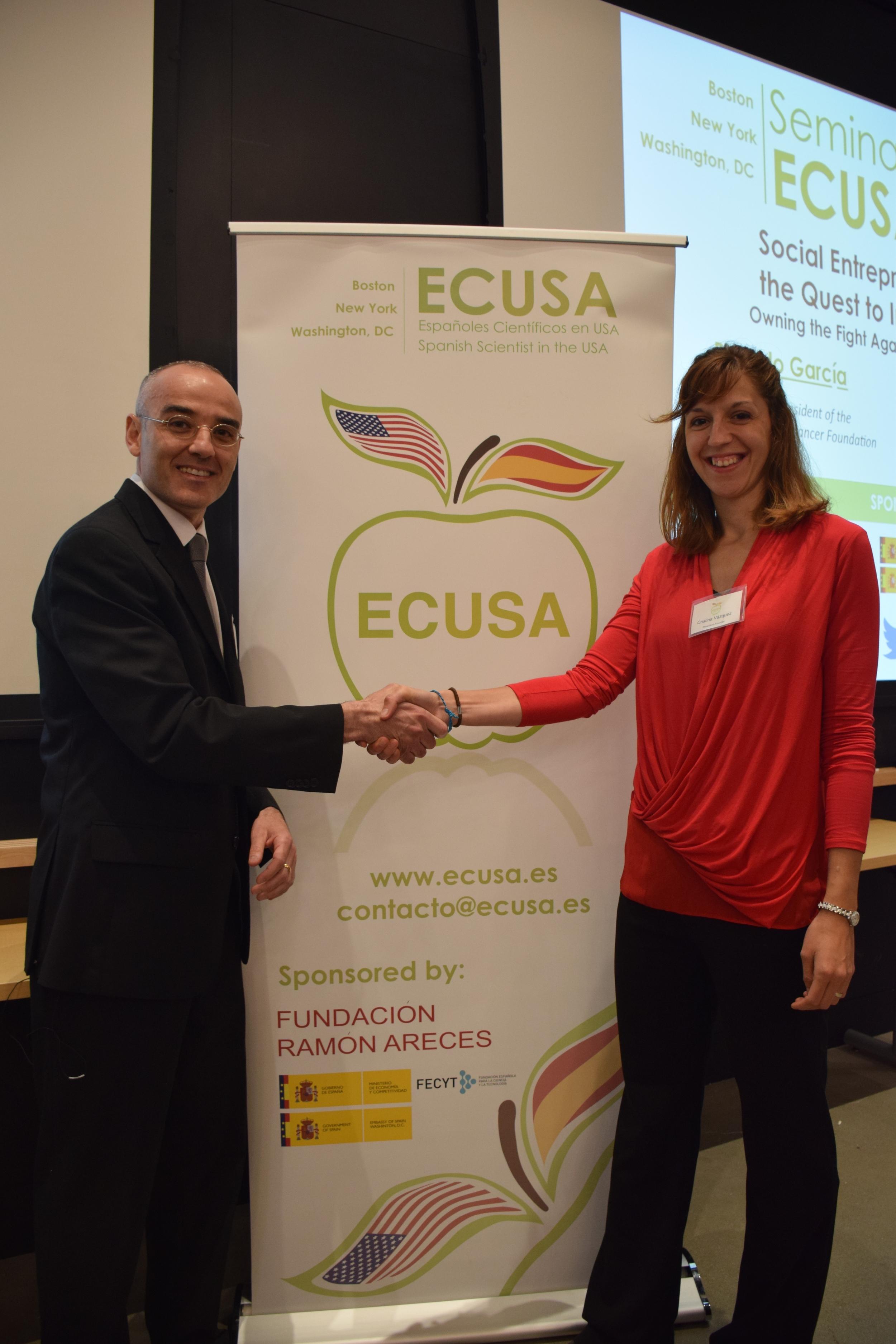 Ricardo García (Presidente de la Fundación Richi) y Crisitna Vazquez (presidenta de ECUSA-Boston) durante el evento celebrado el pasado 2 de junio.