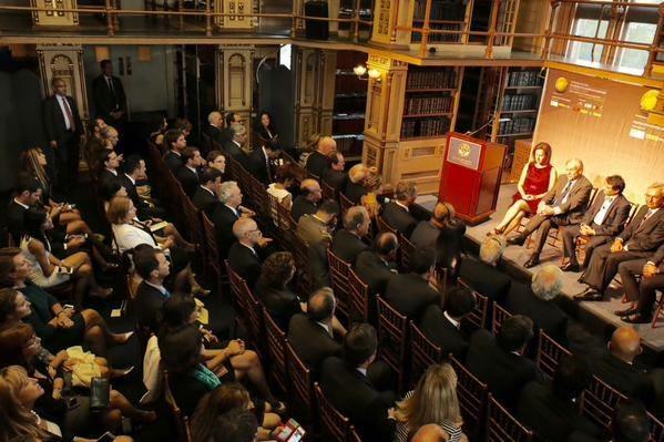 Encuentro de españoles científicos en USA. Biblioteca de la Universidad Georgetown, Washington DC.
