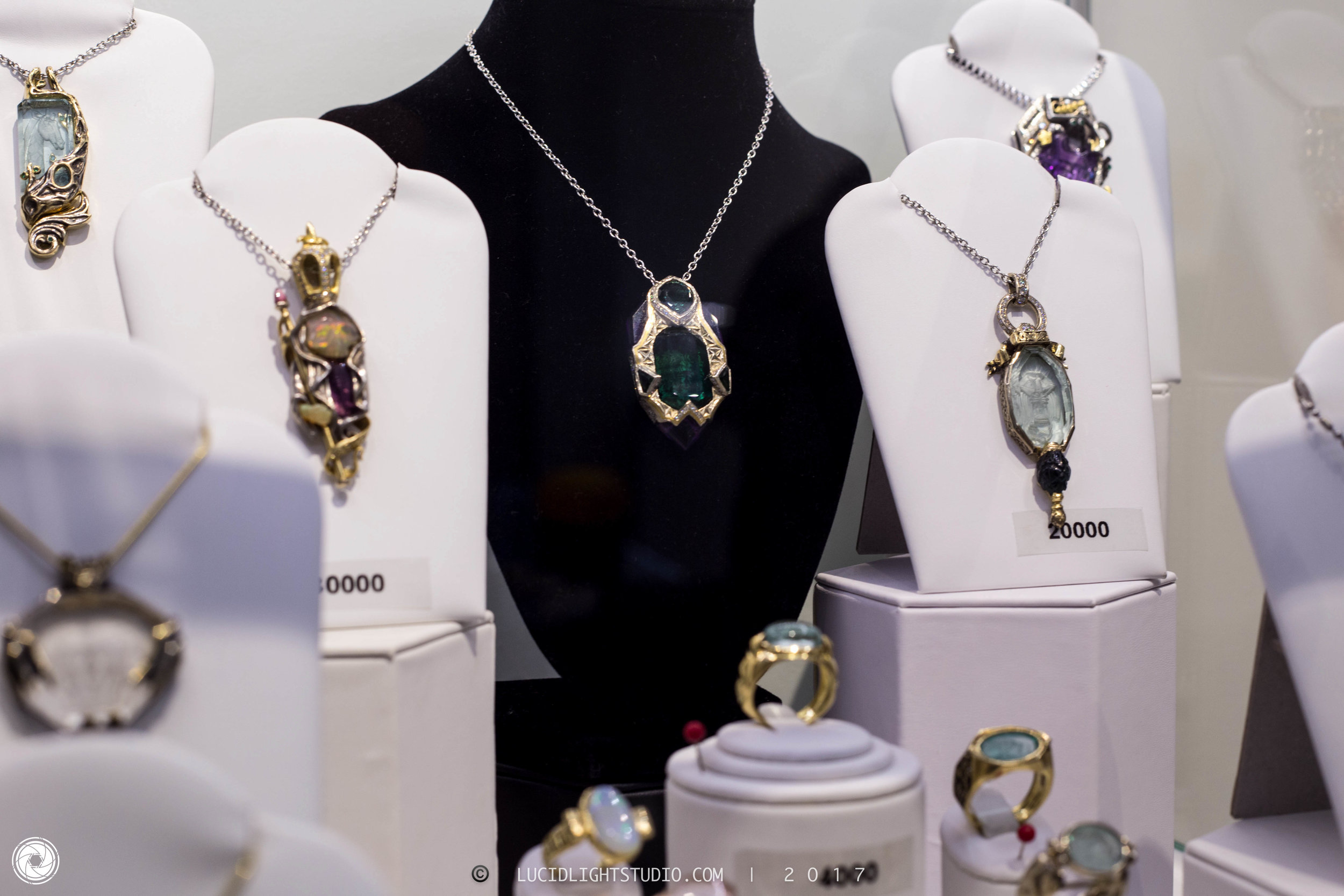crowncollection2017-16-2.jpg