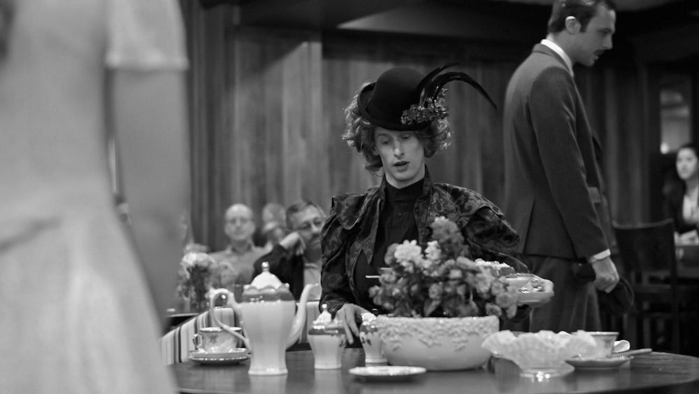 Lady Bracknell takes tea