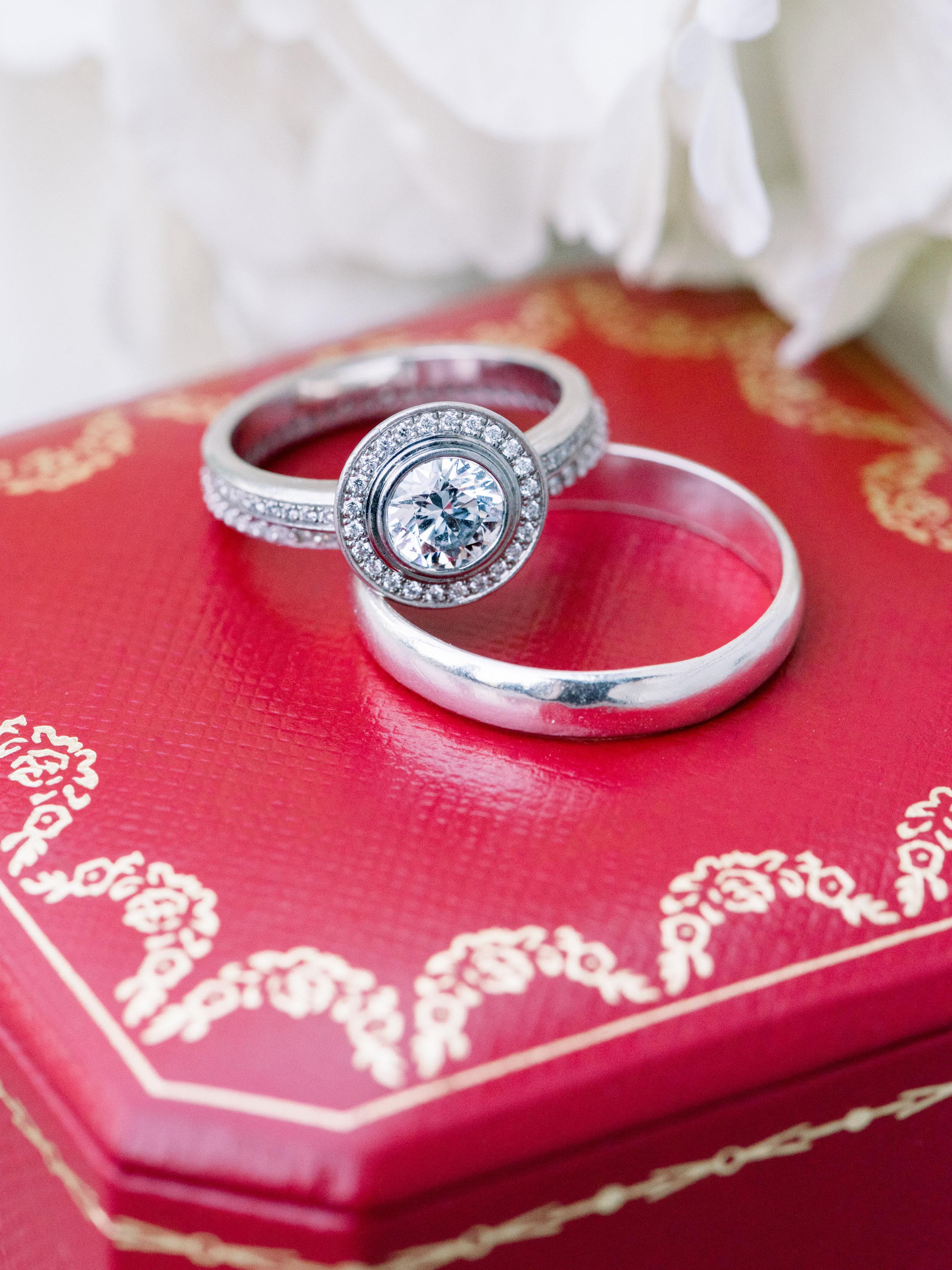 cartier-diamond-wedding-rings.jpg