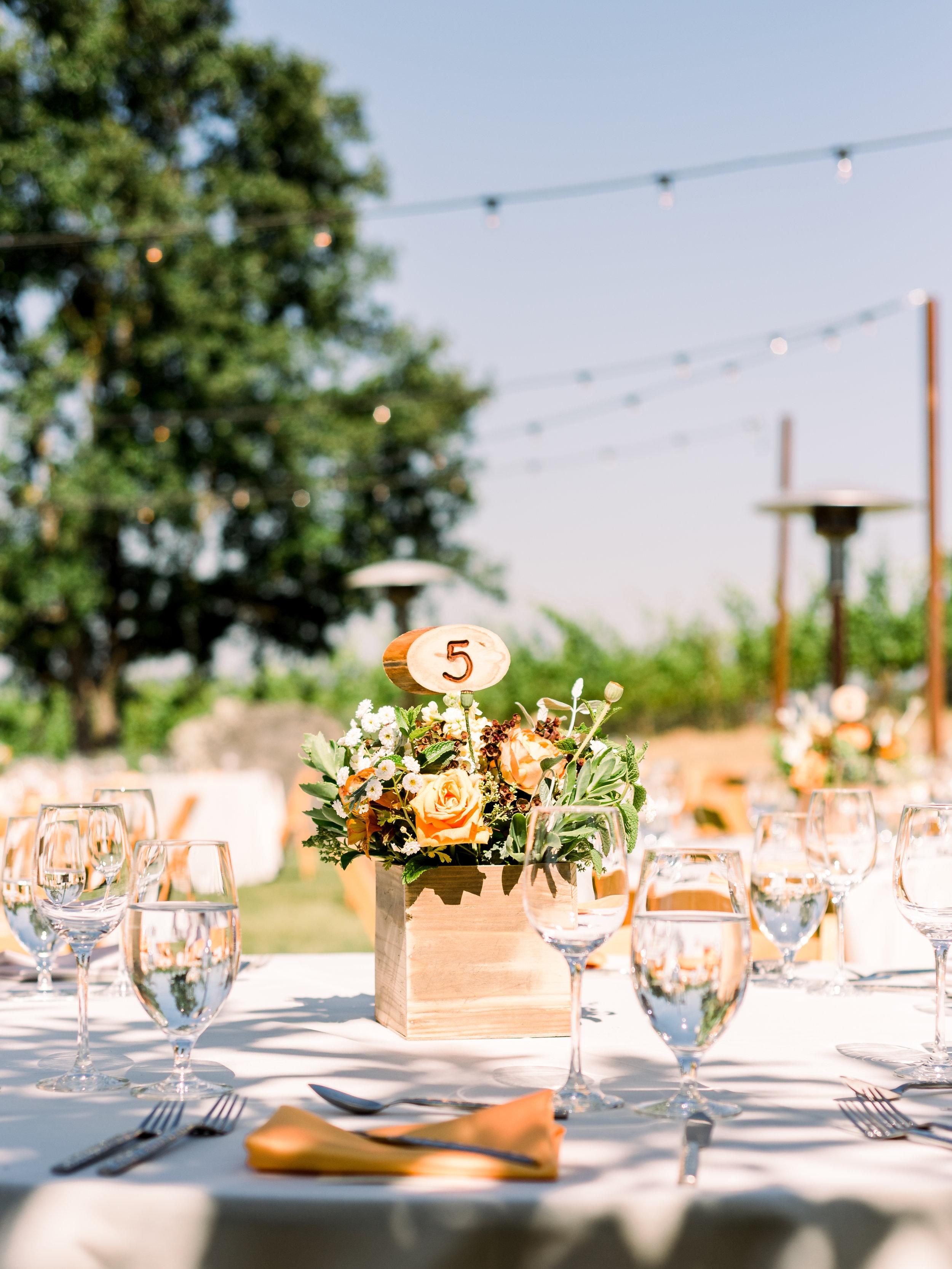 wedding-reception-table-arrangement.jpg