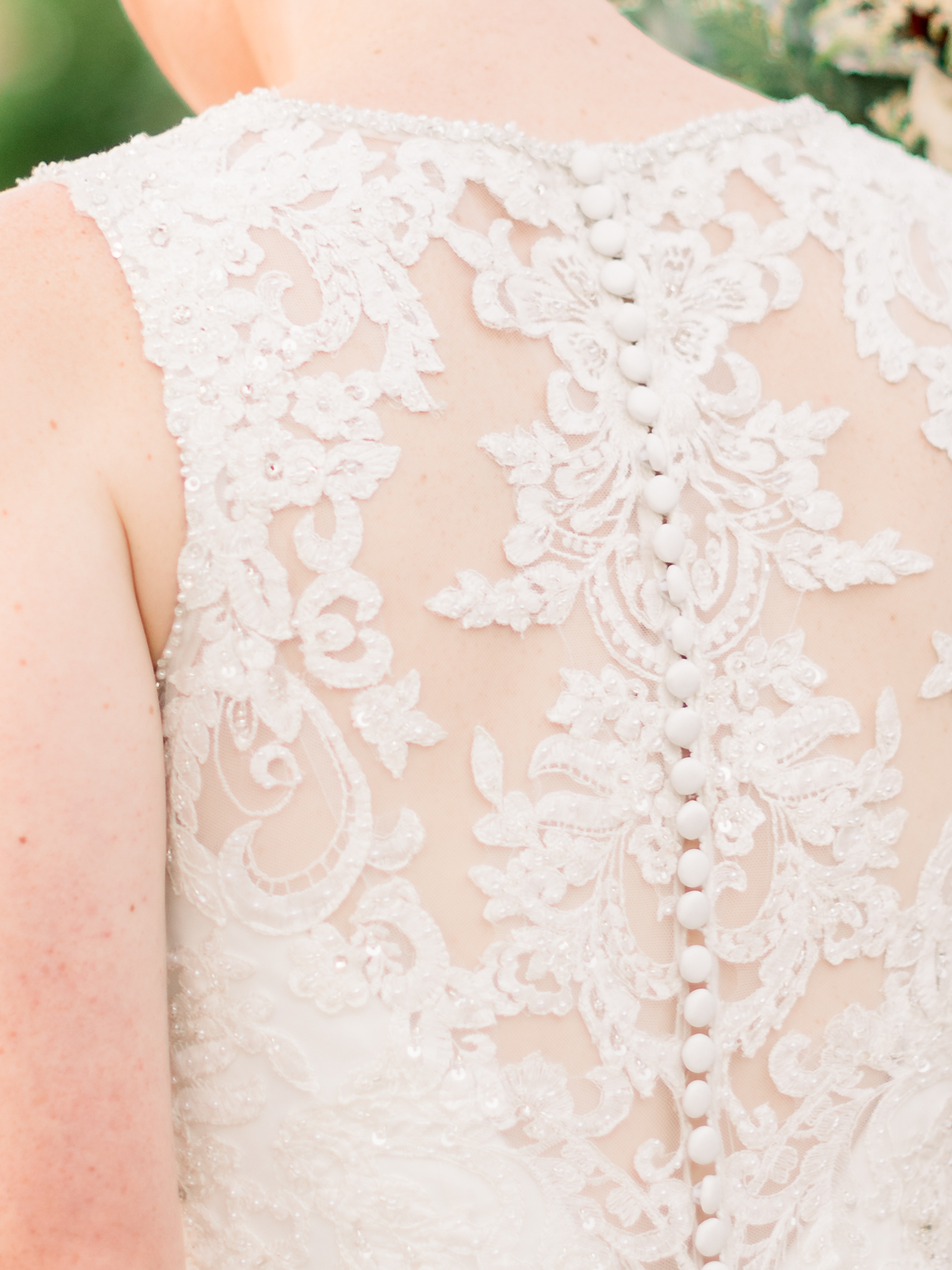 lace-detail-of-wedding-gown.jpg