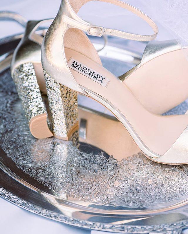 Nothing beats a gorgeous pair of glittery, rose gold Badgley Mischka wedding heels!! SWOON ✨😍 . . . . . . . . . . . . . . . . . . . . . . #fineartfilmphotographer #fineartfilmweddingphotographer #fineartweddingphotographer #filmweddingphotographer #fineartwedding #ishootfilm #ishootfujifilm #fuji400h #soloverly #sobridaltheory #caratsandcake #sanfranciscoweddingphotographer #napaweddingphotographer #vacavilleweddingphotographer #bridalinspiration #weddinginspiration