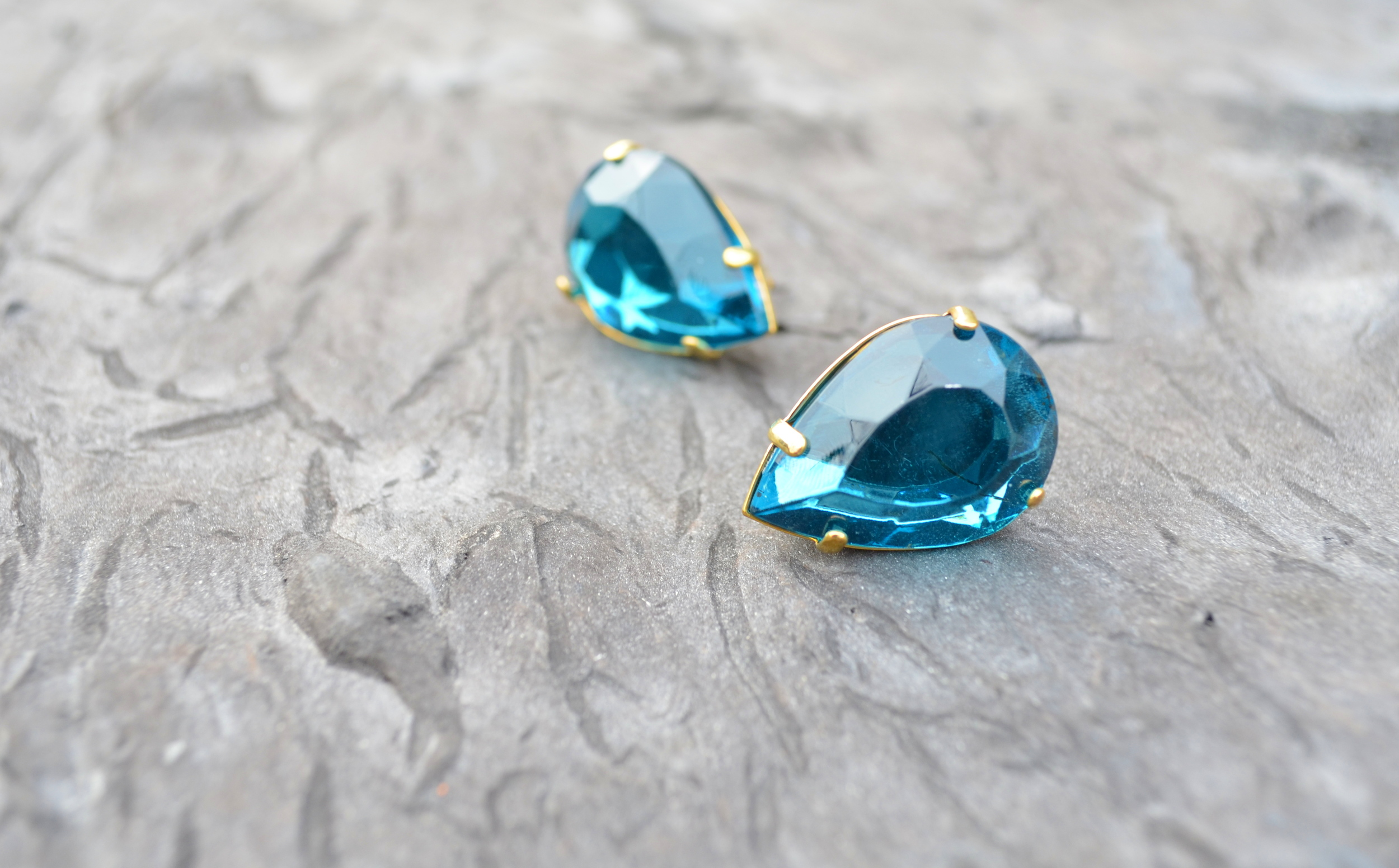 turquoise raindrop earrings