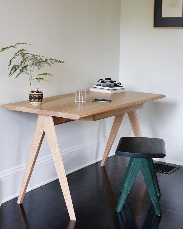 Crest Desk & Stool