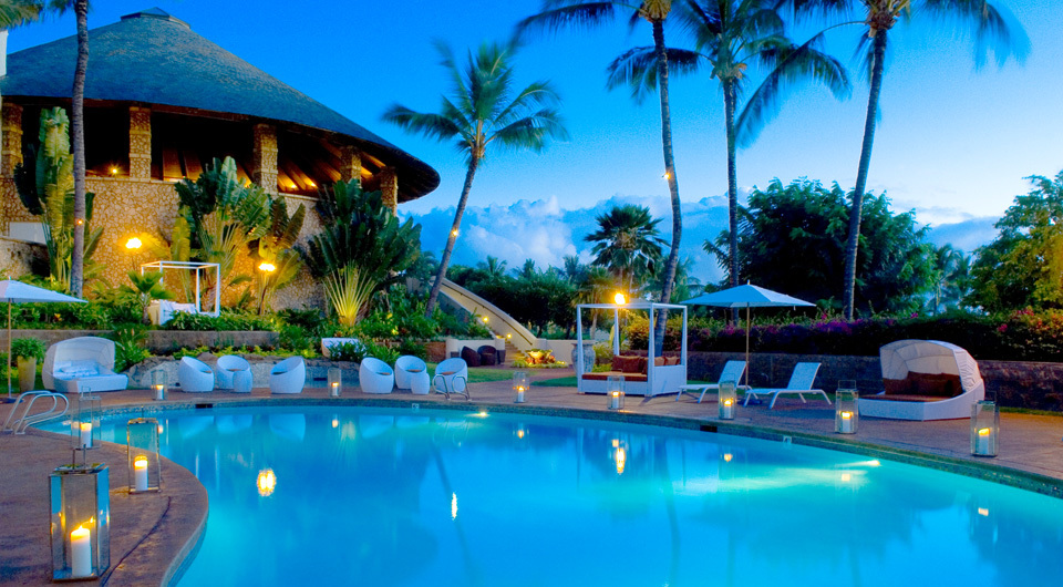 Hotel Wailea - Pool - Evening