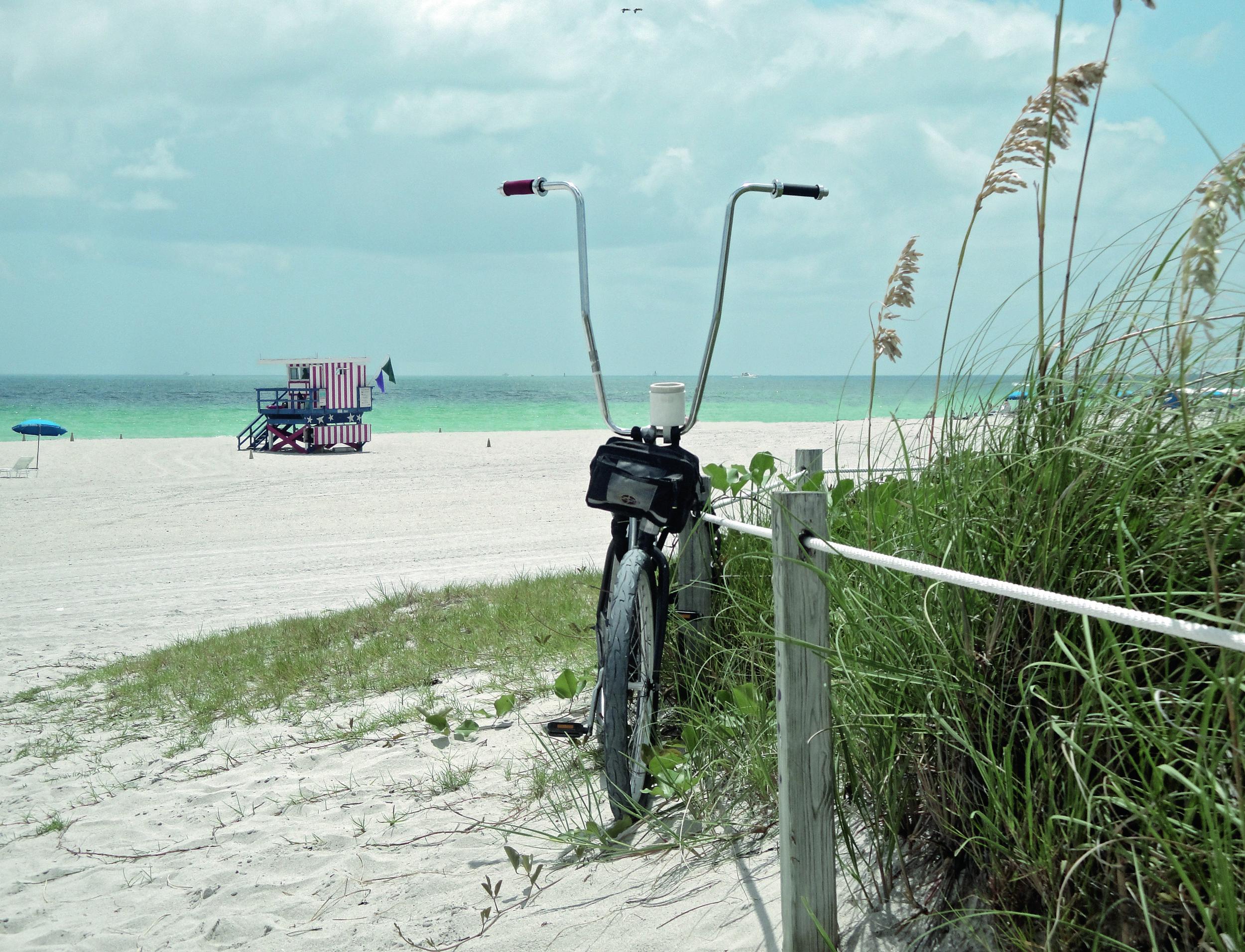 MIA_00300_beach_bicycle_001.jpg