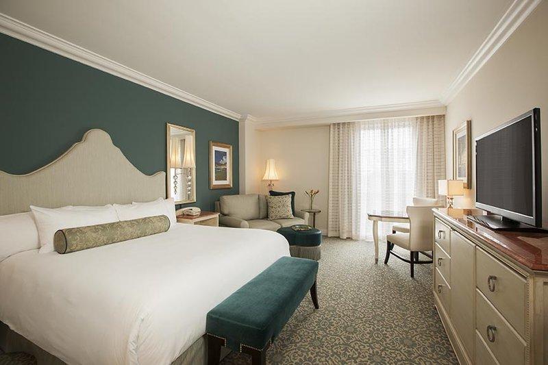 Loews Portofino Bay - Deluxe King Bedroom