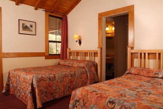 Zion Lodge 2.jpg