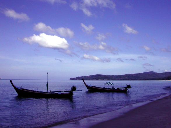 boats-on-the-sea-1519168.jpg