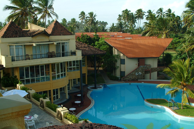 Sri lanks beach-1353876.jpg