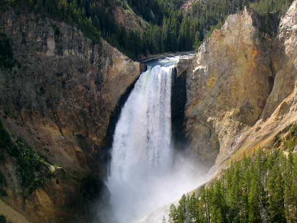 yellowstone-national-park-16-1527744.jpg