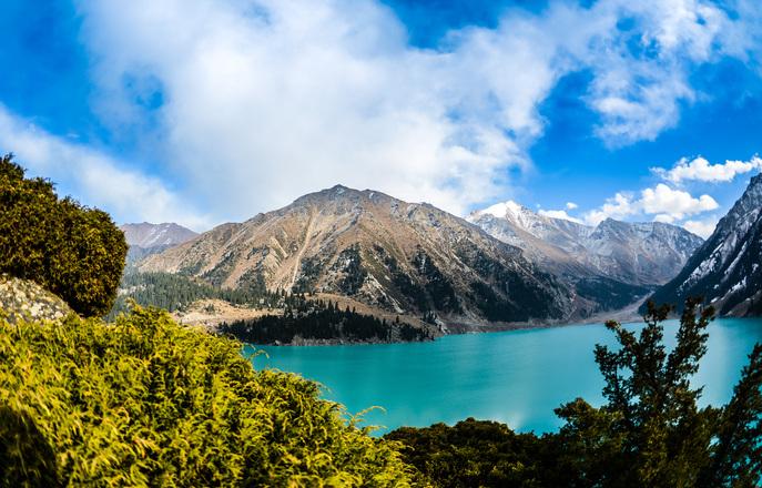mountain-lake-1331596 - rocky mountains.jpg
