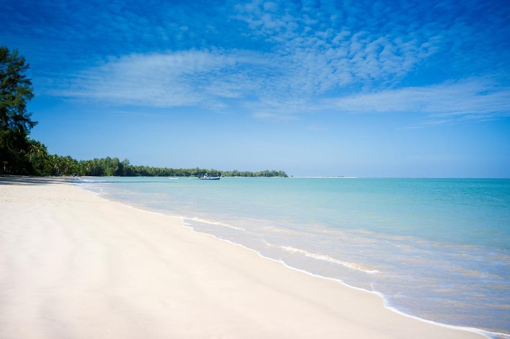 Khoa Lak Beach