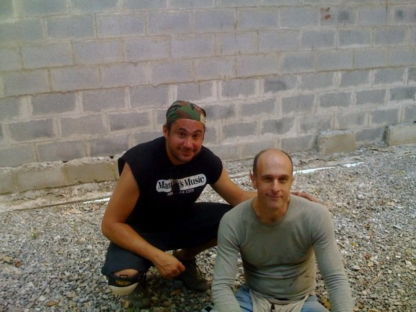 Jay Leibowitz & Jim Reilly. Living room roof building day.