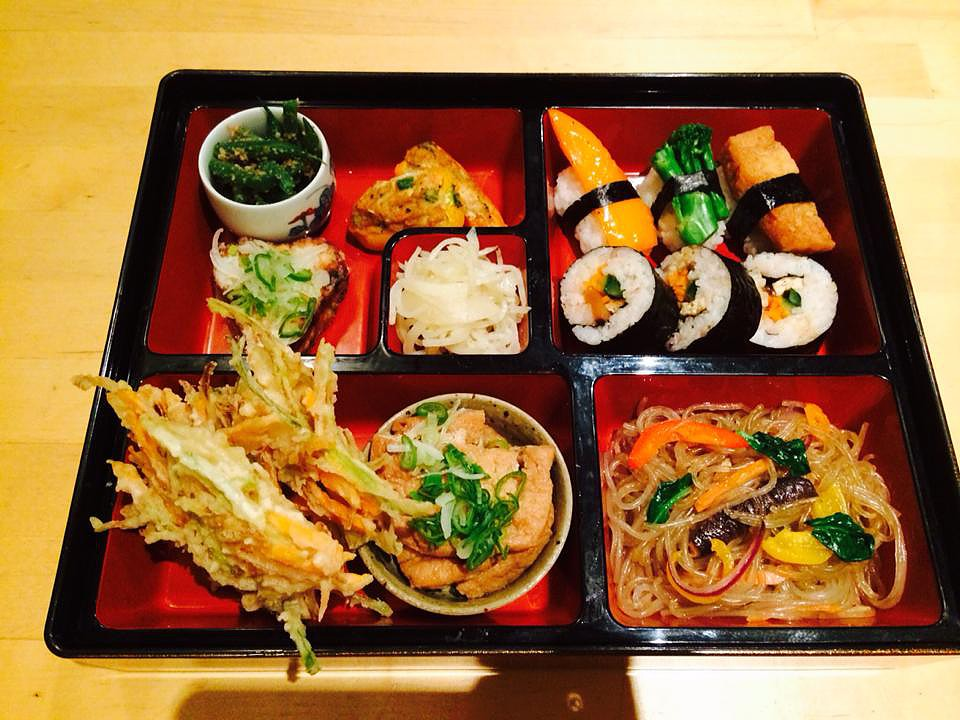 Itadakizen is a vegan Japanese restaurant based in Kings Cross St. Pancreas and has the most delicious vegan bento meals and a tempura burger! Nearest Station: Kings Cross St. Pancreas