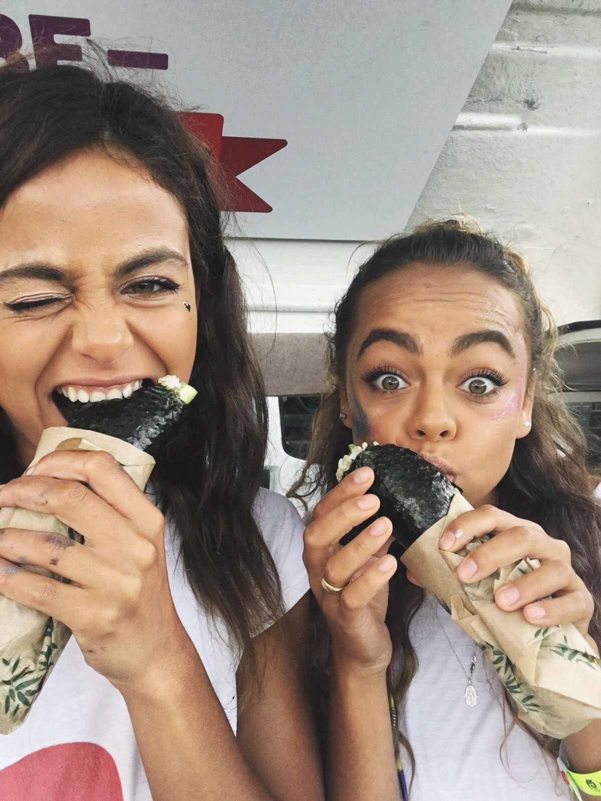 Once again our LICKALIX ladies were happy to see that our friends from The Happy Maki were at the same festival as we were and they couldn't resist but to have some delicious Vegan Sushi!