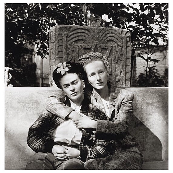 #TGIFrida Frida Kahlo and Emmy Lou Packard, Coyoacán, Mexico 1941 photo by Diego Rivera #FridaKahlo