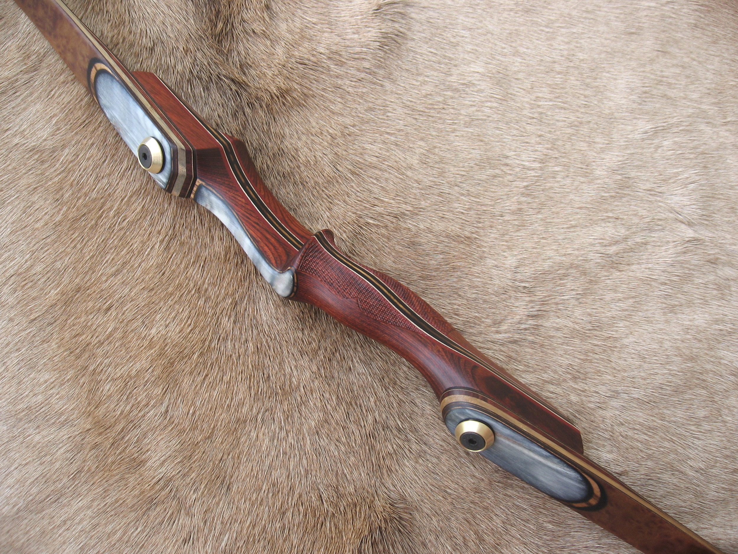 Rosewood Dym Riser- Smooth Sheep horn overlays