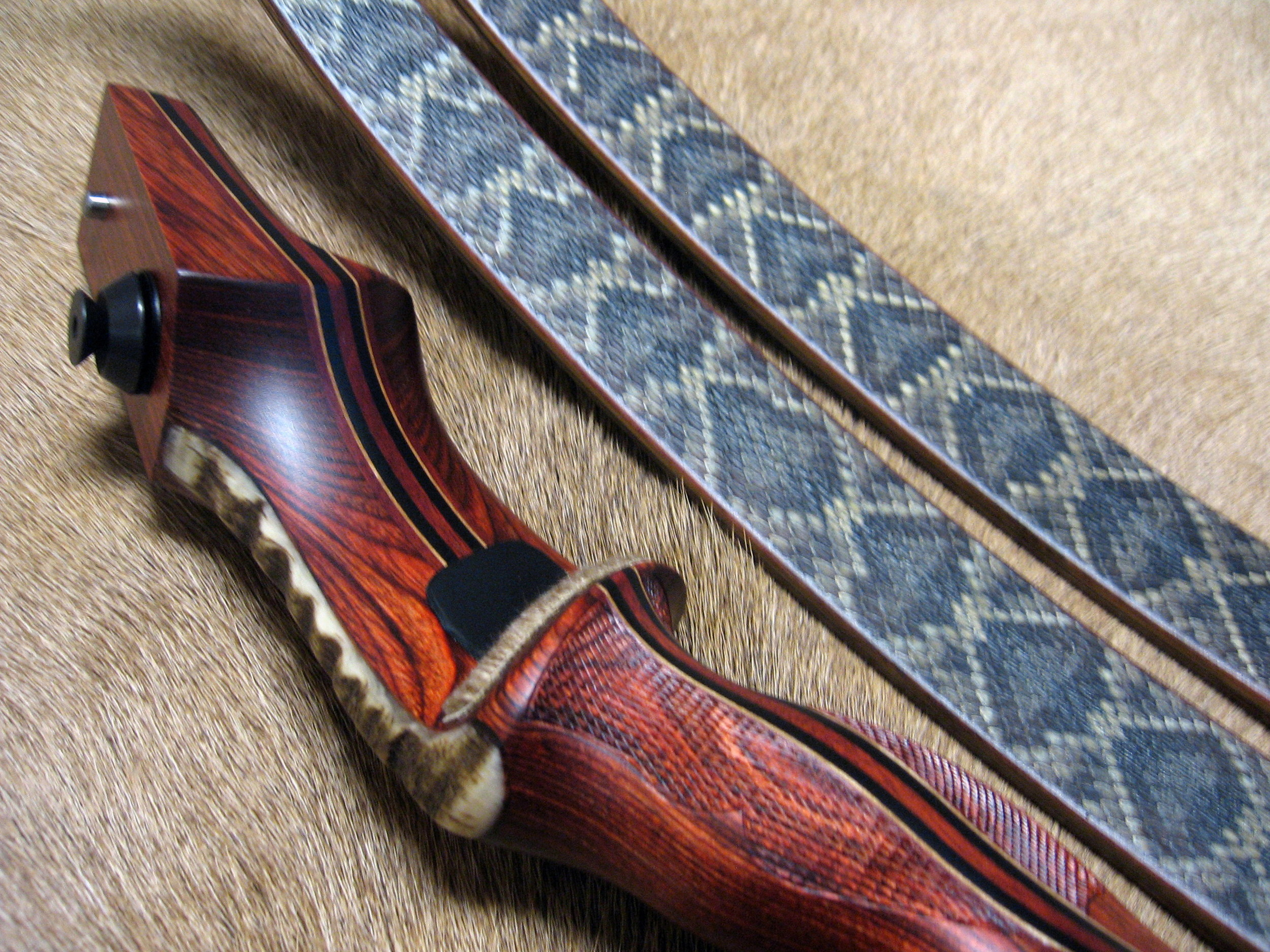 Rosewood Dym Riser w/ rough Sheep Horn overlay- Diamondback Skins