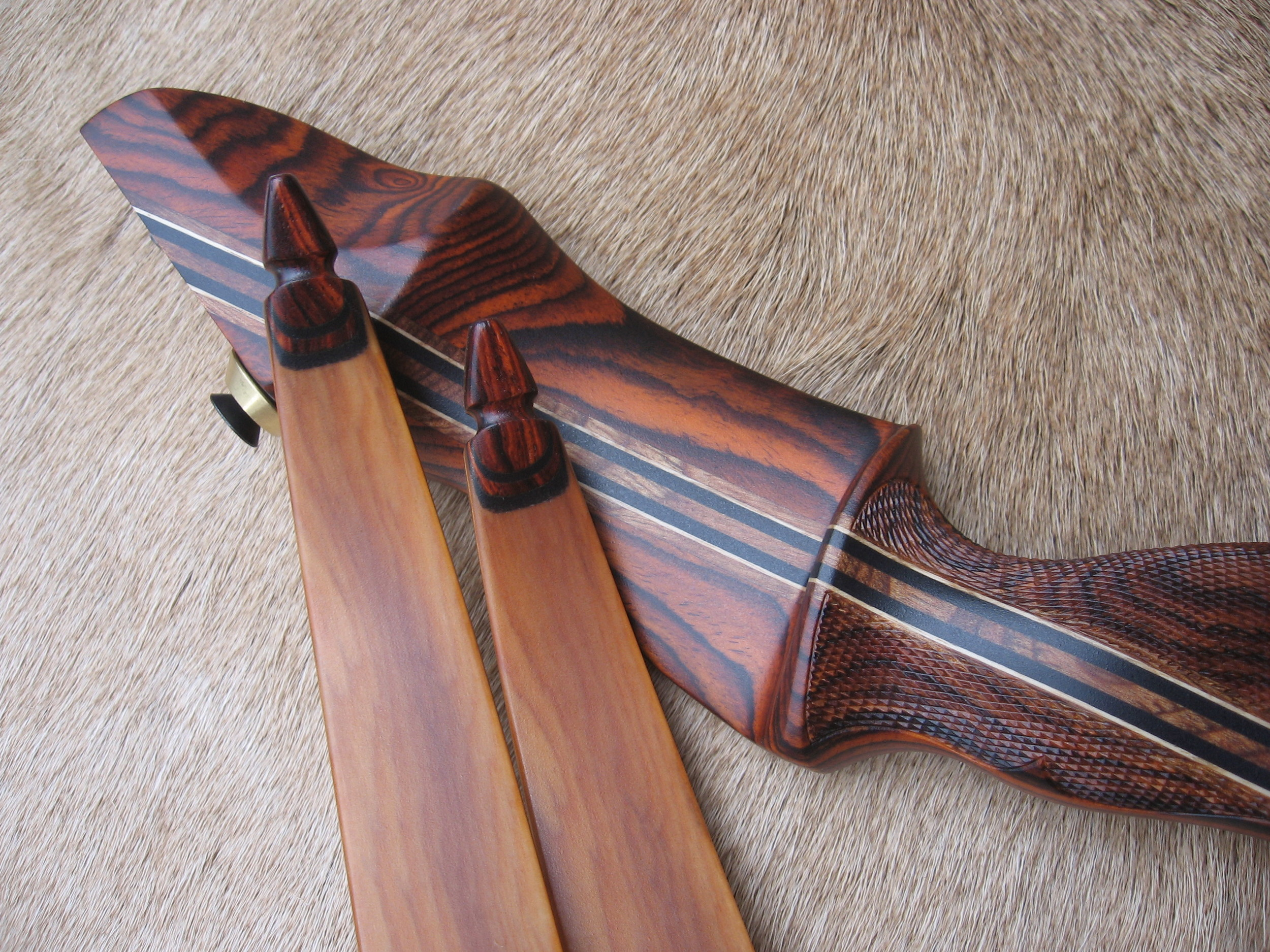 Cocobolo Riser- Yew limbs with Cocobolo tips