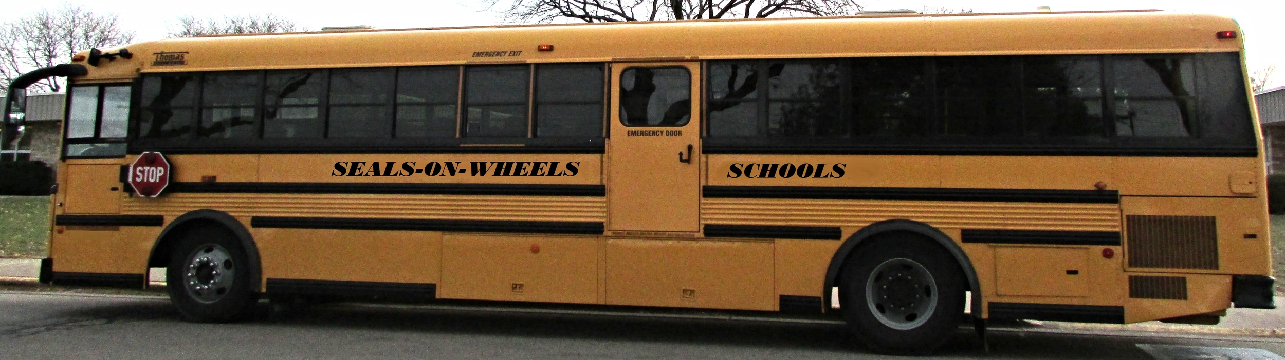 Seals-On-Wheels Oral Health Program of Wisconsin (school bus)