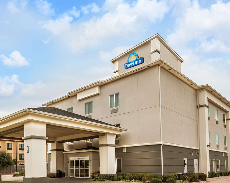 Days Inn & Suites by Wyndham Mineral Wells - Explore Mineral Wells's Natural WondersAward-winning property off Highway 180 in Mineral WellsOur Days Inn & Suites Mineral Wells hotel provides friendly service and easy access to area attractions, including nearby Possum Kingdom Lake and Lake Mineral Wells State Park. Our hotel is an hour from Fort Worth, 15 minutes west of Weatherford, and 20 minutes south of Jacksboro.