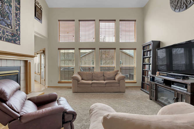1147 Meadow Oaks Dr Colorado-small-013-20-Living Room-666x445-72dpi.jpg