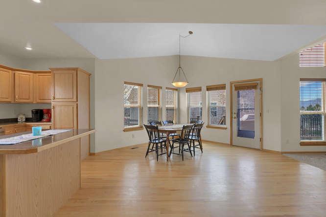 1147 Meadow Oaks Dr Colorado-small-024-33-Eating Area-666x445-72dpi.jpg