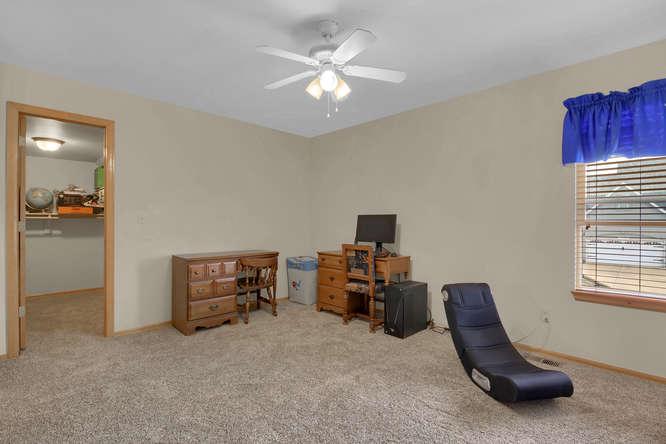 1147 Meadow Oaks Dr Colorado-small-029-10-Bedroom-666x445-72dpi.jpg