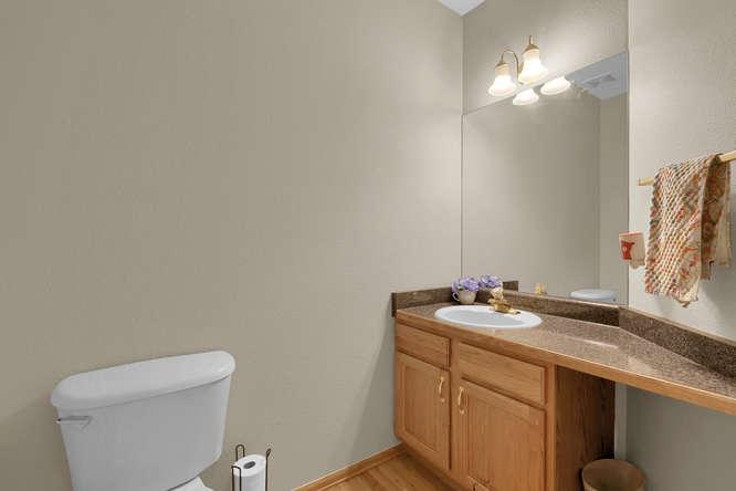 1147 Meadow Oaks Dr Colorado-small-036-15-Bathroom-666x445-72dpi.jpg