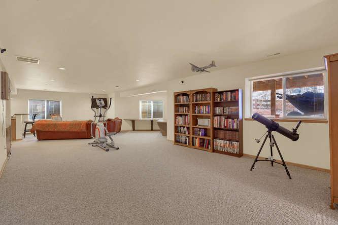 1147 Meadow Oaks Dr Colorado-small-039-40-Family Room-666x445-72dpi.jpg