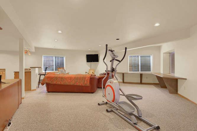 1147 Meadow Oaks Dr Colorado-small-040-36-Family Room-666x444-72dpi.jpg