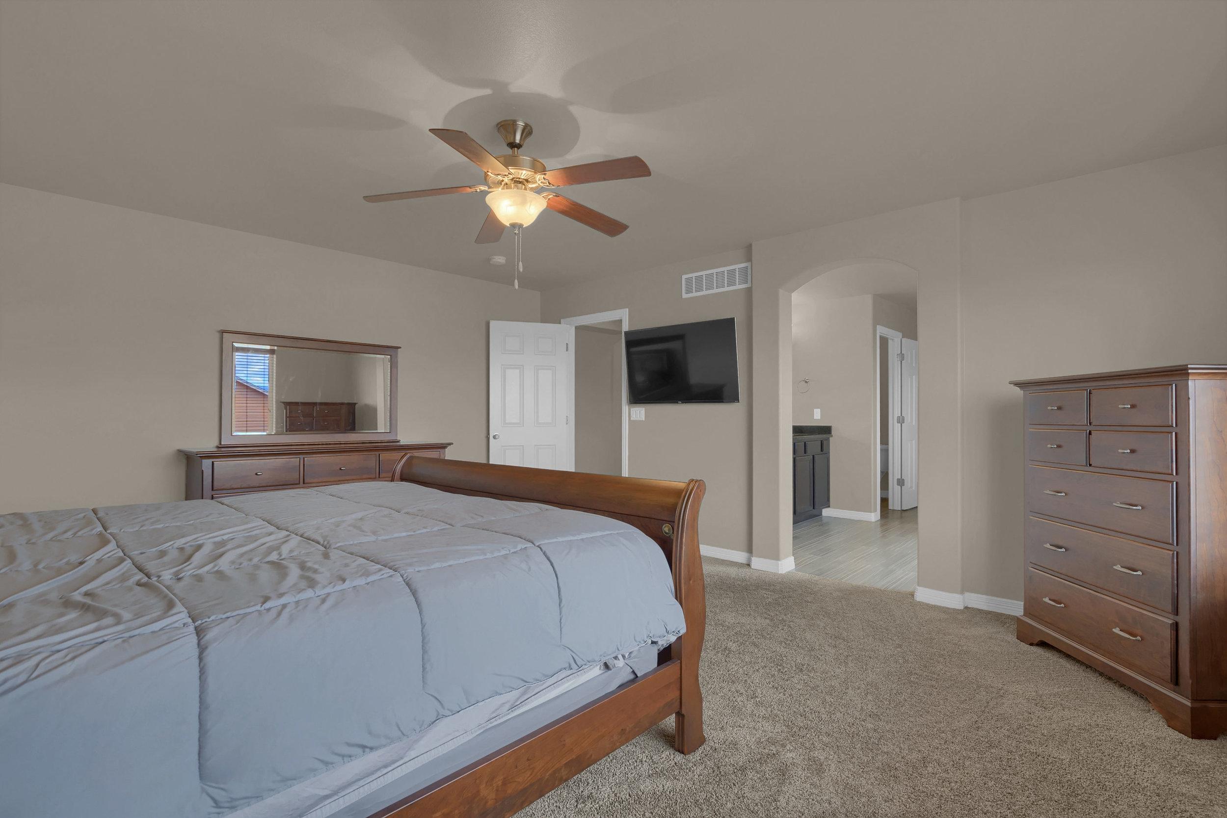 6722 Stingray Lane Colorado-print-026-23-Bedroom-2800x1867-300dpi.jpg