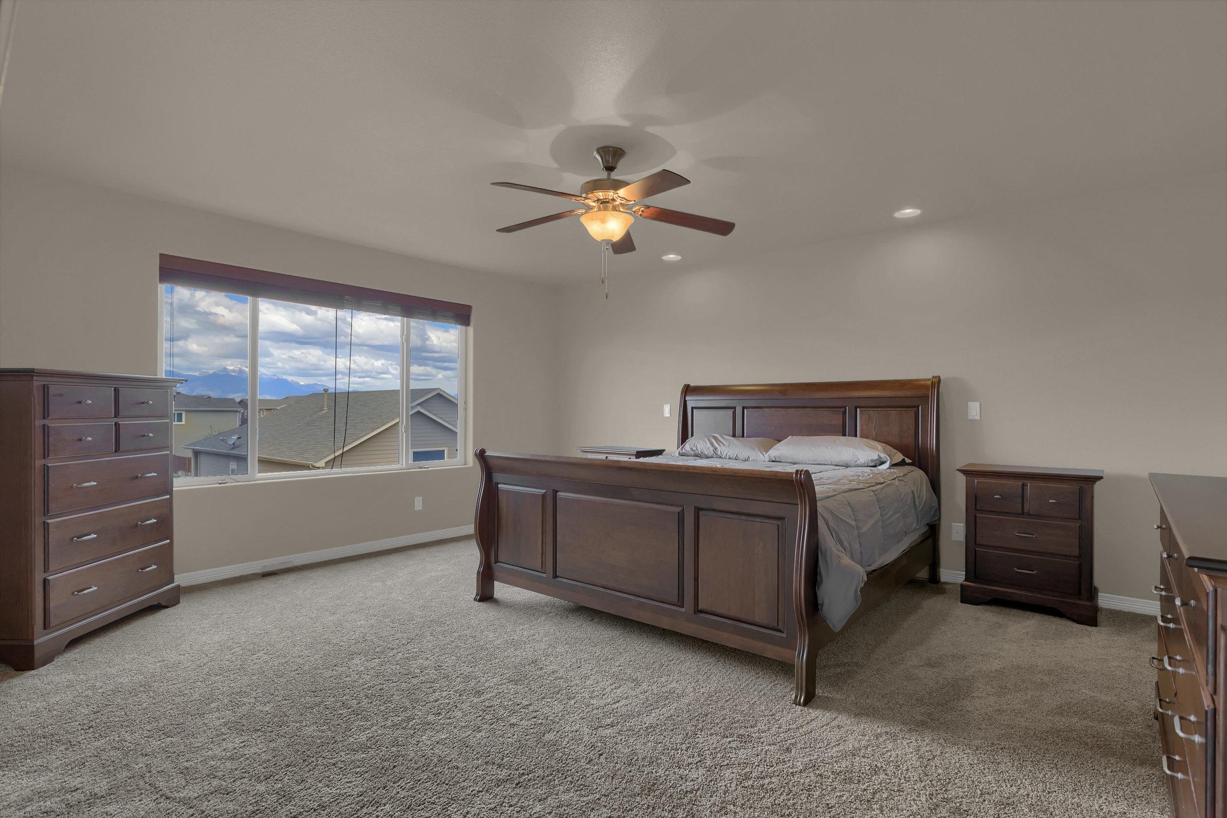 6722 Stingray Lane Colorado-print-030-28-Bedroom-2800x1867-300dpi.jpg