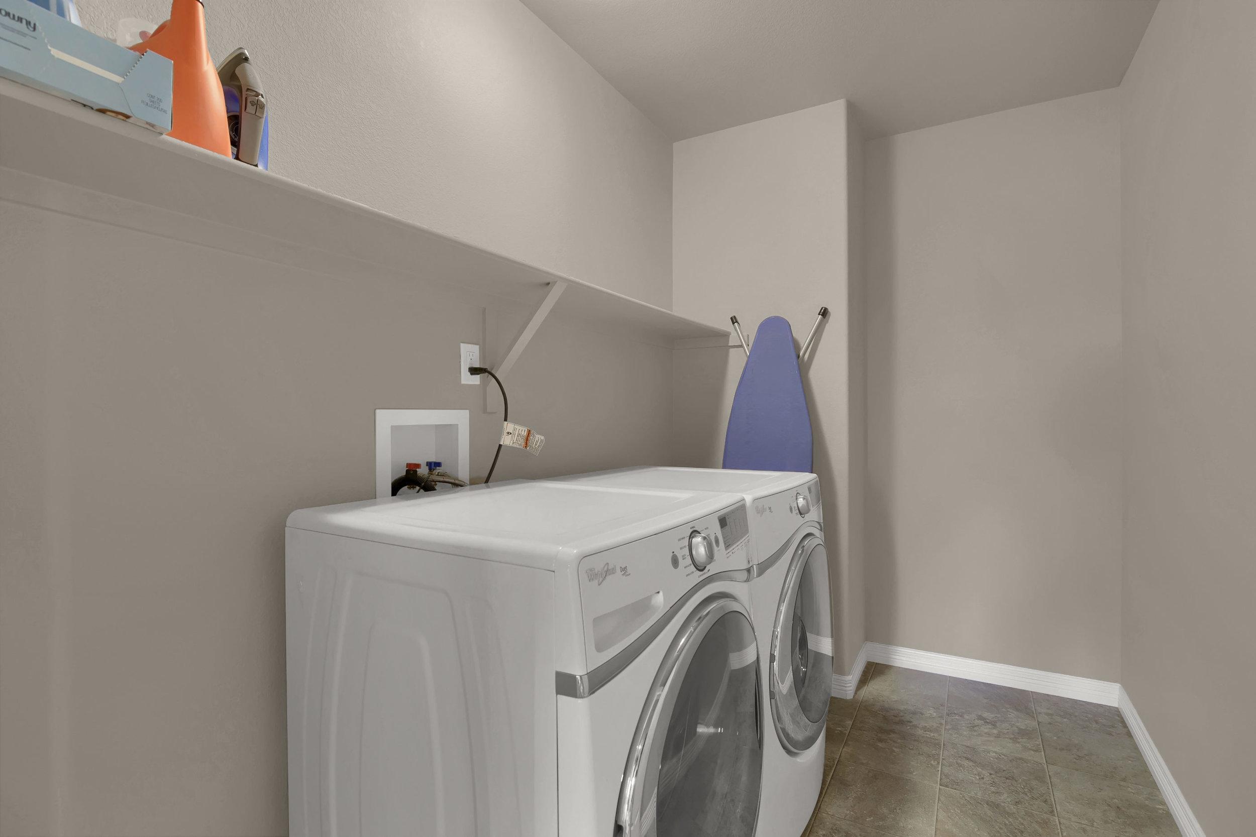 6722 Stingray Lane Colorado-print-031-30-Laundry-2800x1867-300dpi.jpg