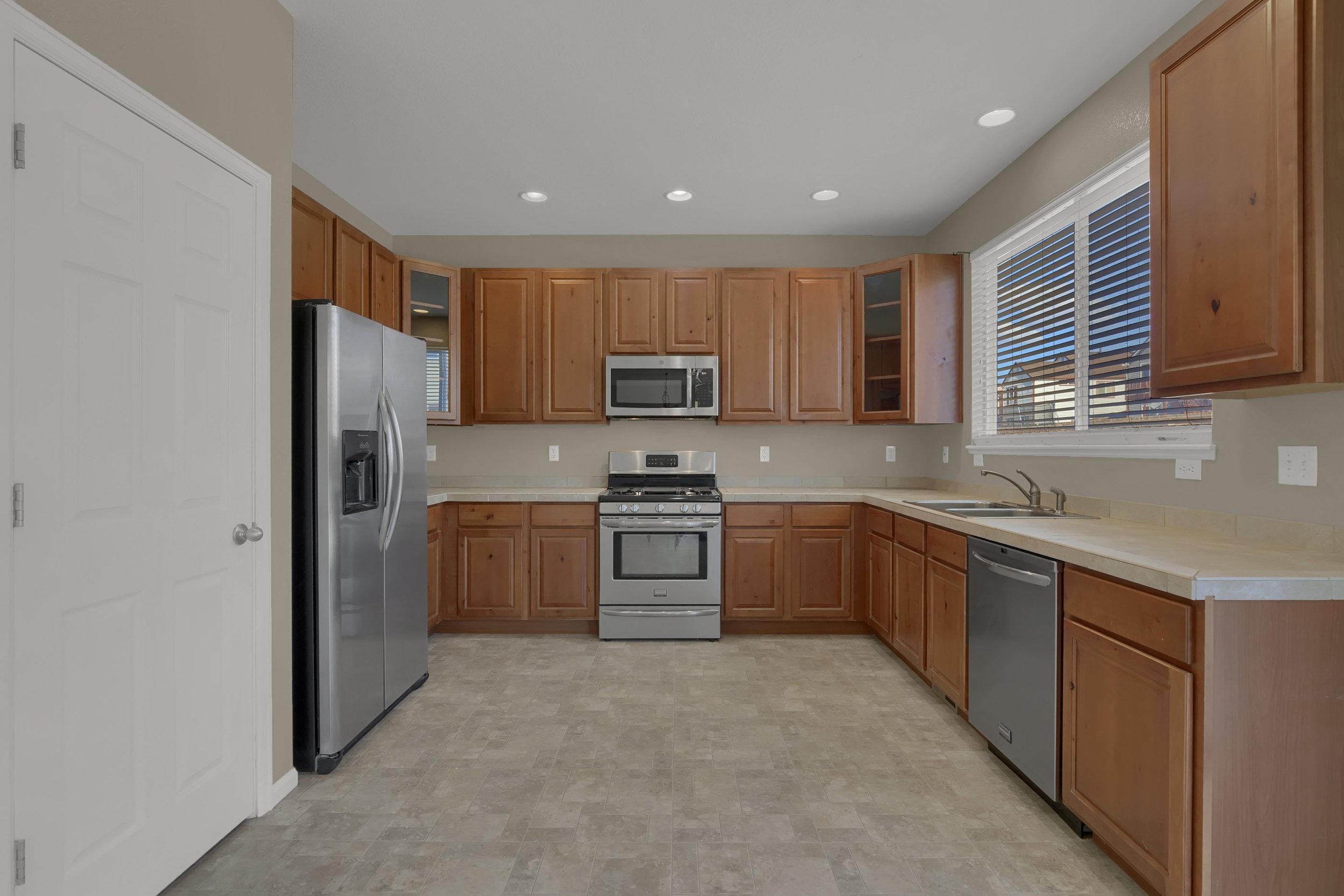 7584 Dobbs Drive Fountain CO-print-013-13-Kitchen-2800x1867-300dpi.jpg