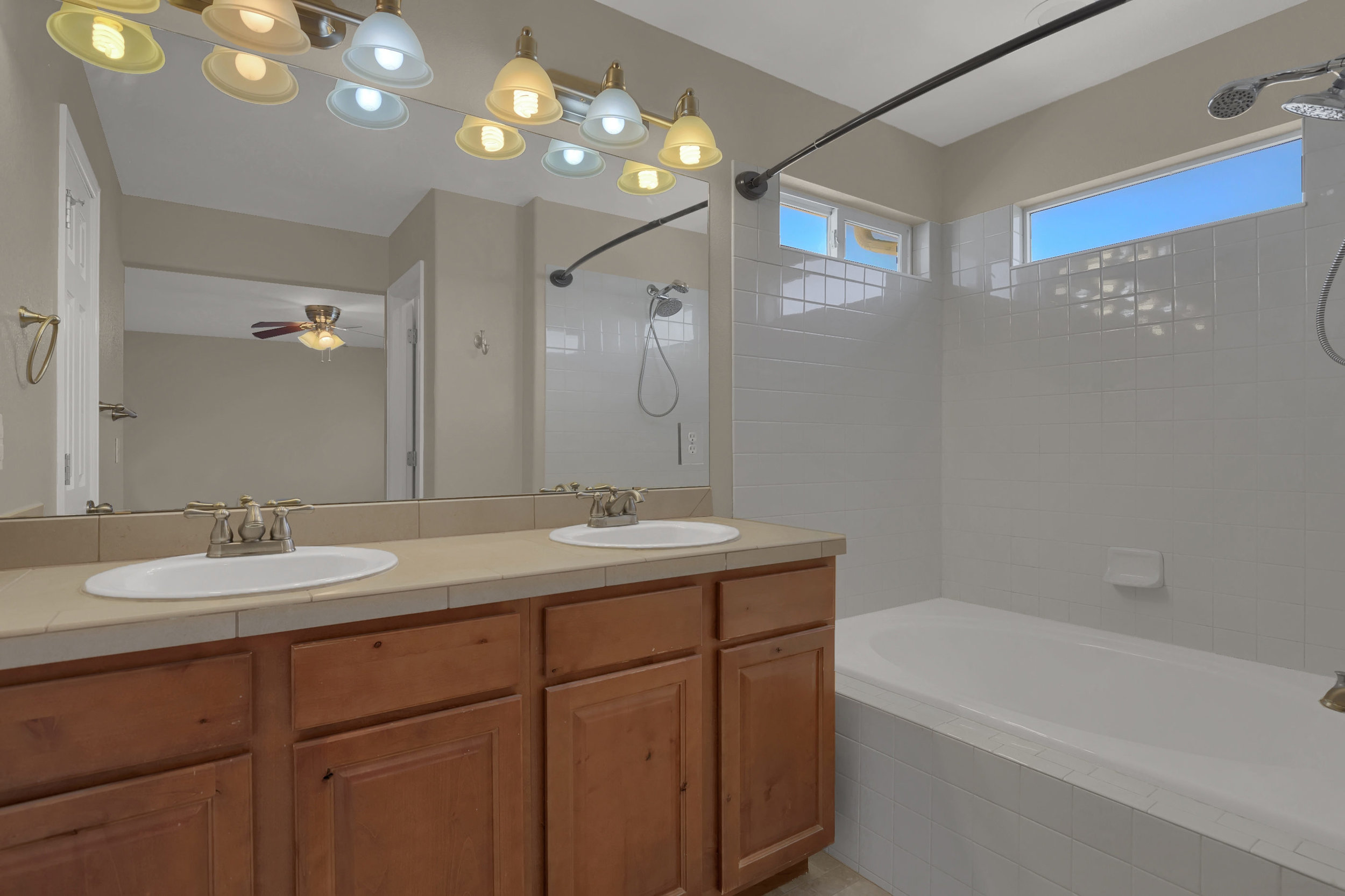 7584 Dobbs Drive Fountain CO-print-027-26-Bathroom-2800x1867-300dpi.jpg