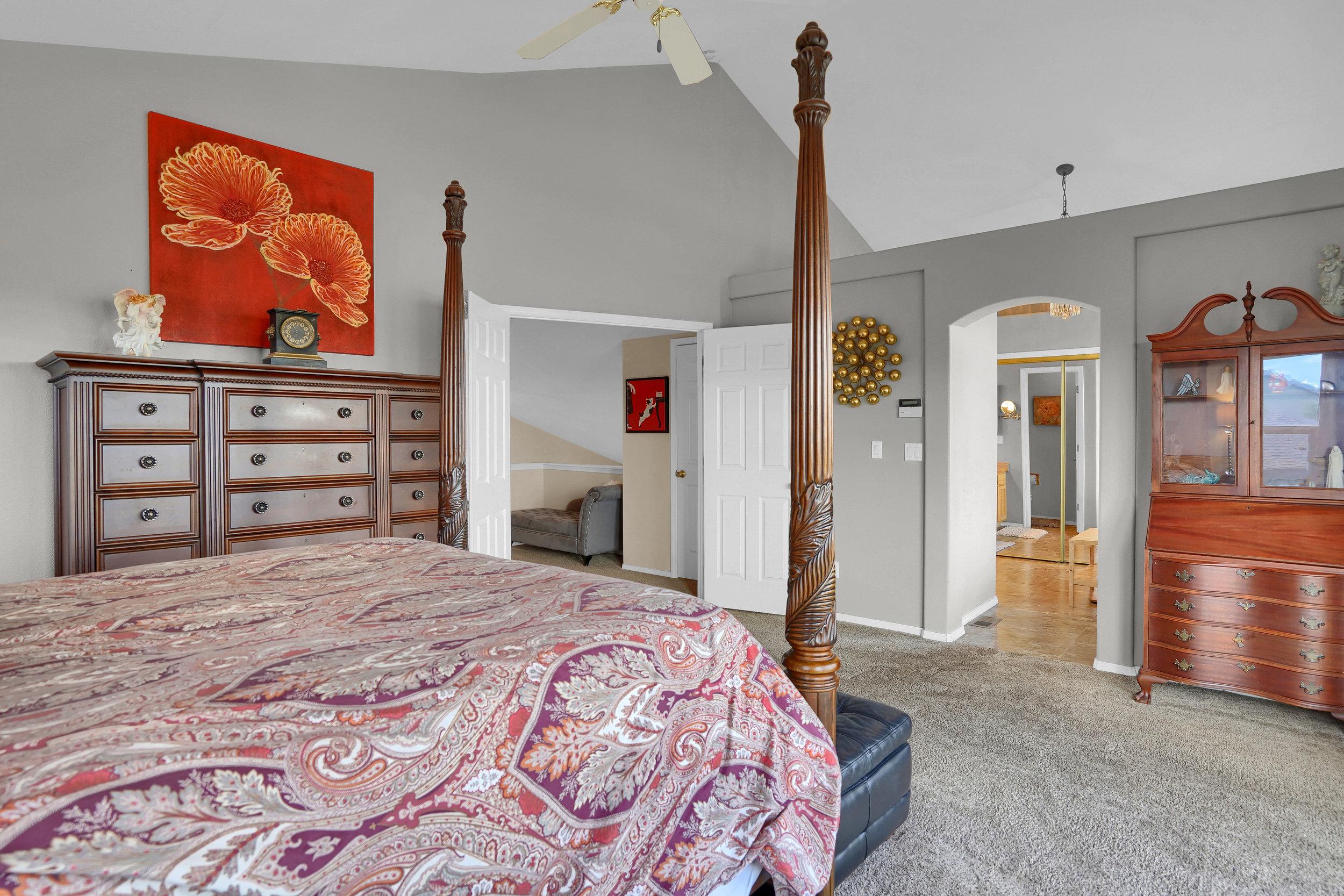 2756 Kittyhawk Road Colorado-print-024-015-Bedroom-3933x2622-300dpi.jpg