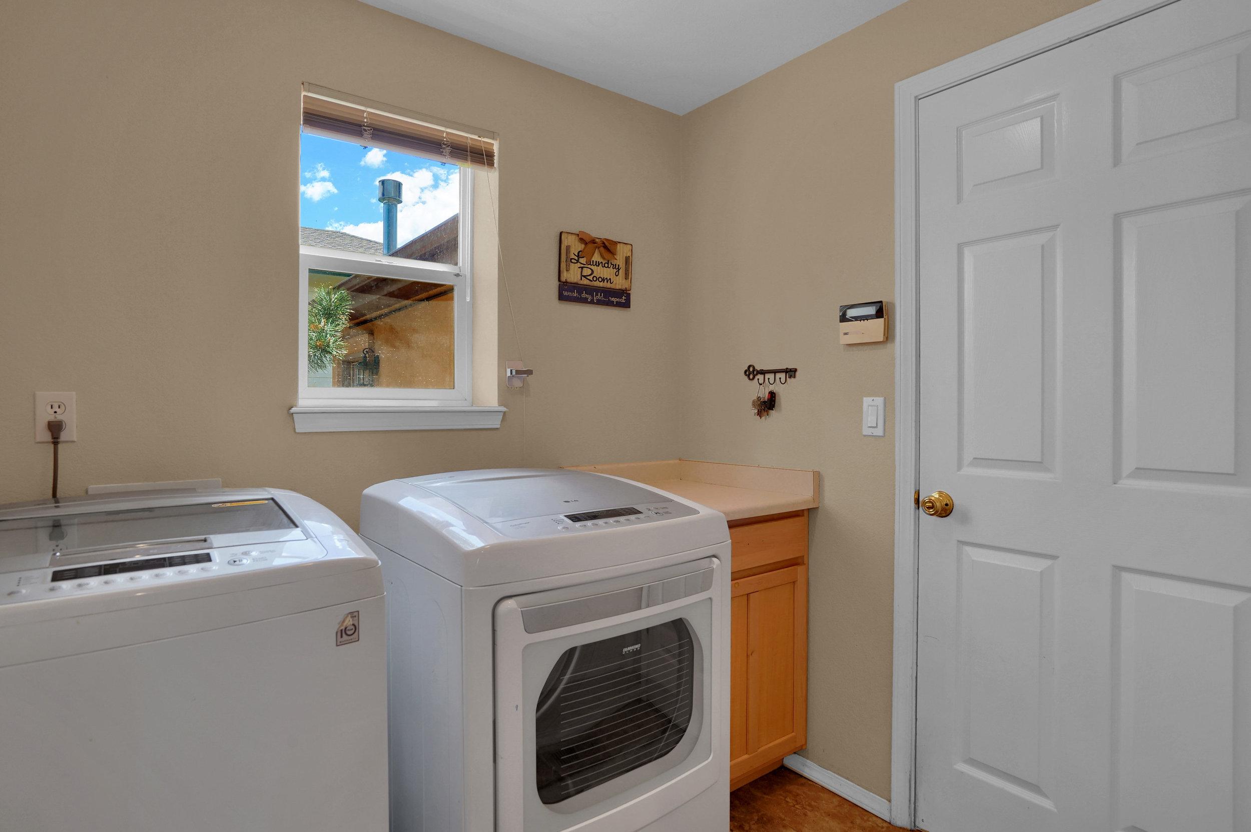 2756 Kittyhawk Road Colorado-print-032-017-Laundry-3934x2617-300dpi.jpg
