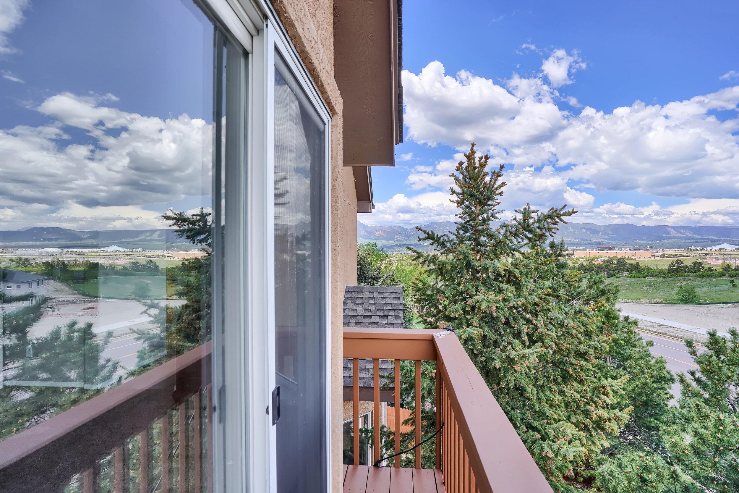 2756 Kittyhawk Road Colorado-print-035-012-Balcony-3930x2620-300dpi.jpg
