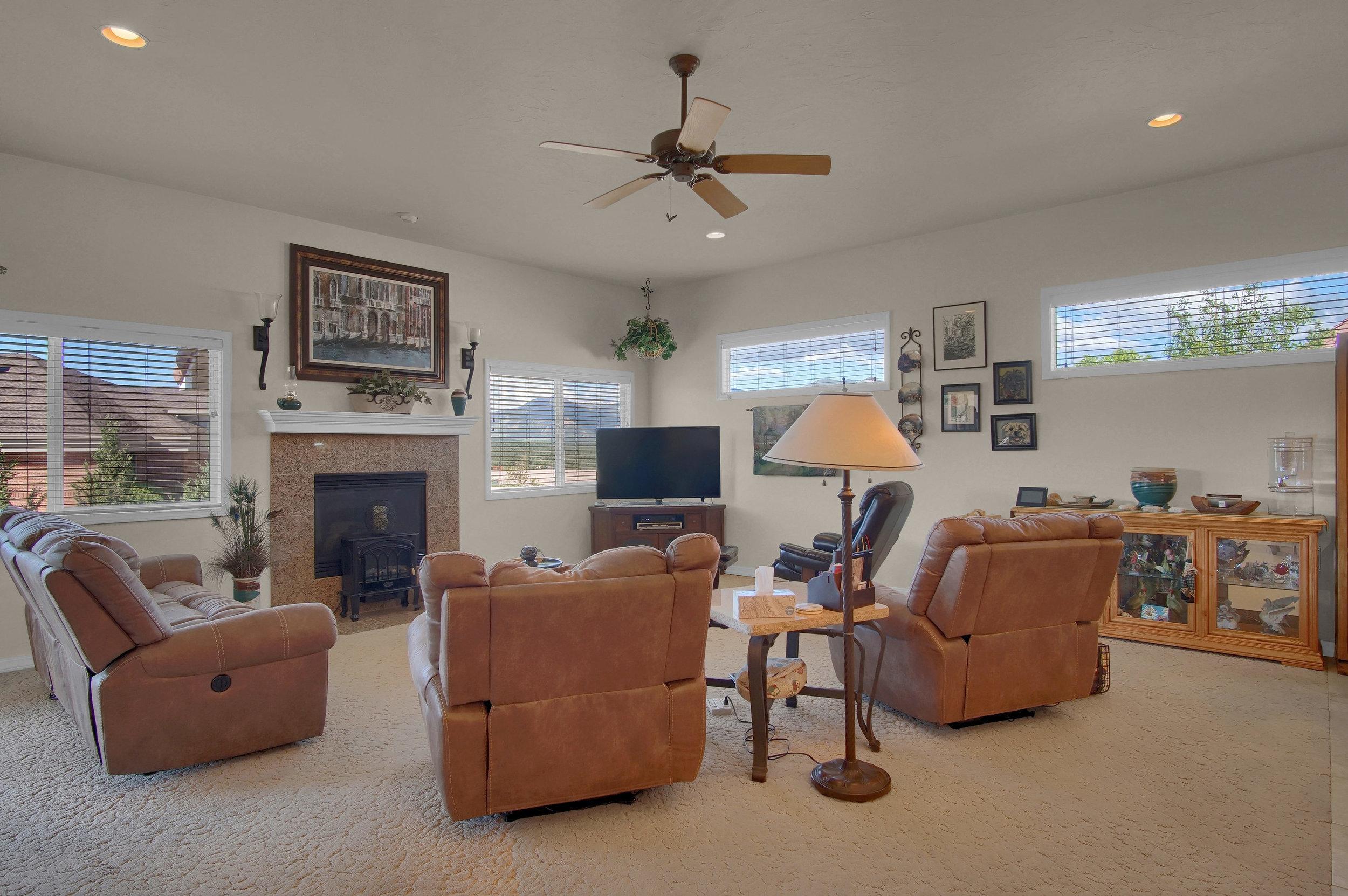 13658 Paradise Villas Grove-print-007-016-Living Room-3008x2000-300dpi.jpg
