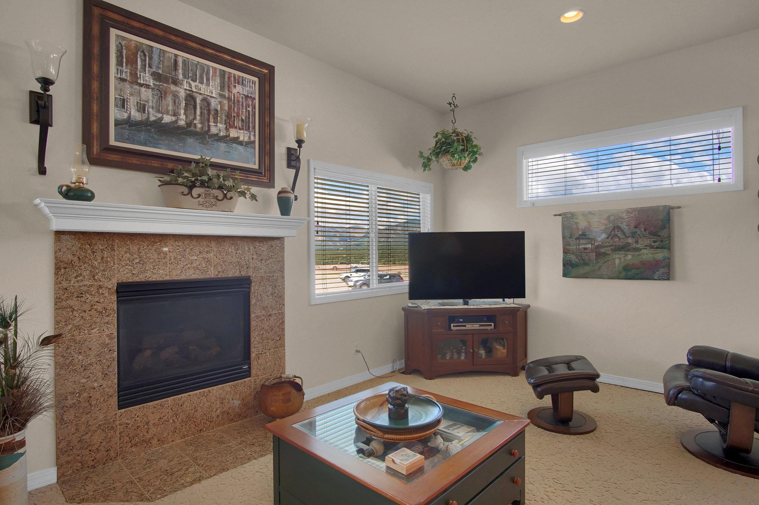 13658 Paradise Villas Grove-print-009-011-Living Room-3008x2000-300dpi.jpg
