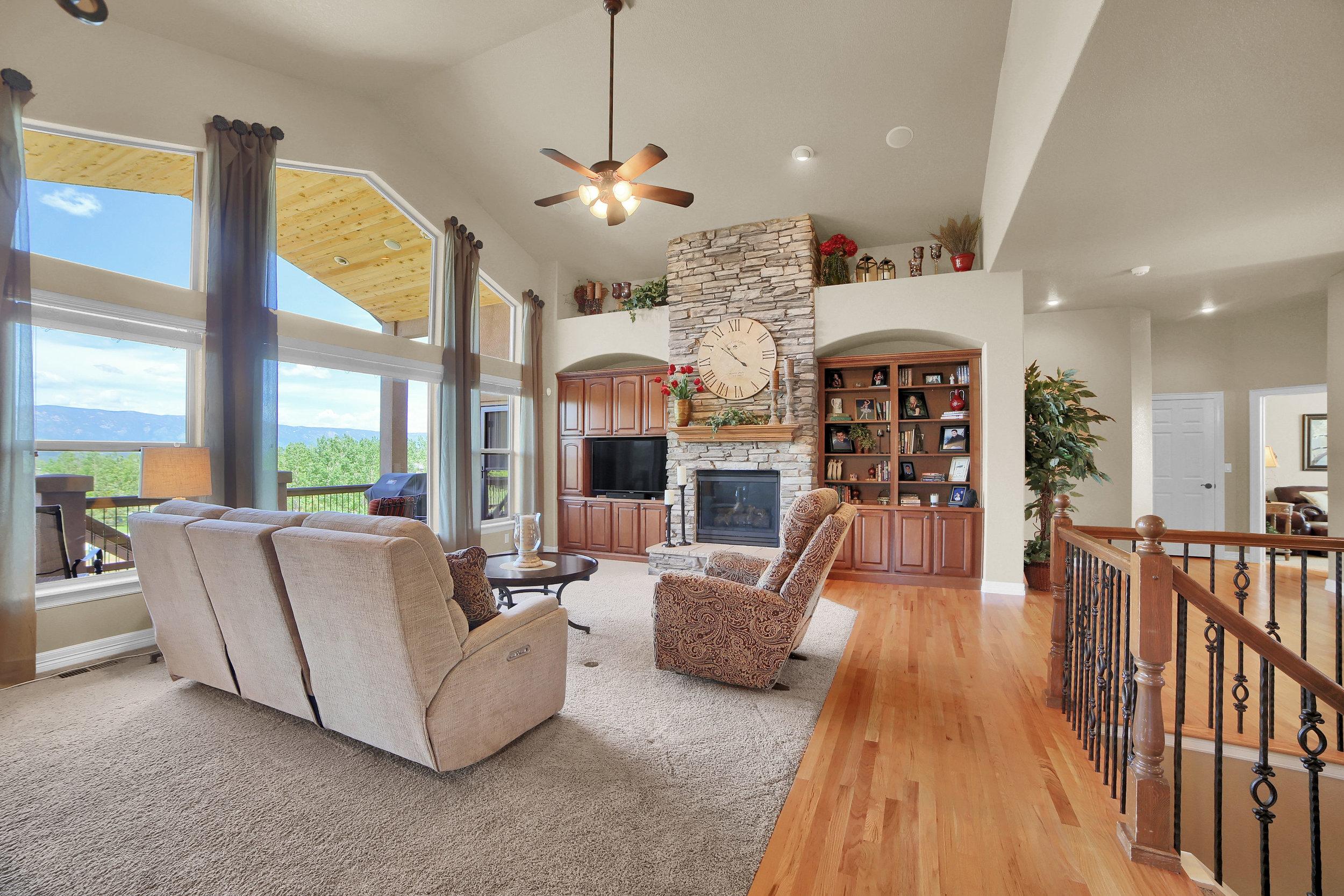 12496 Creekhurst Dr Colorado-print-031-059-Family Room-3647x2432-300dpi.jpg