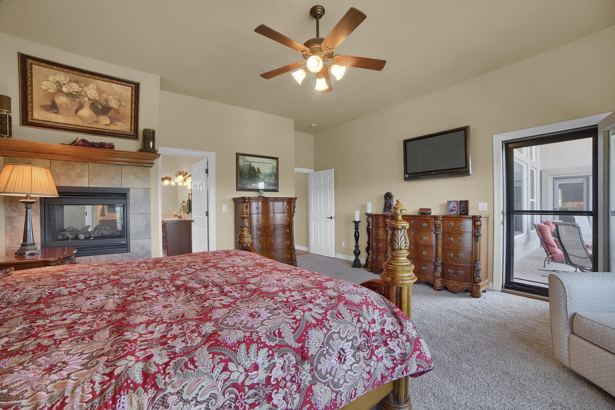 12496 Creekhurst Dr Colorado-print-043-015-Bedroom-3648x2432-300dpi.jpg