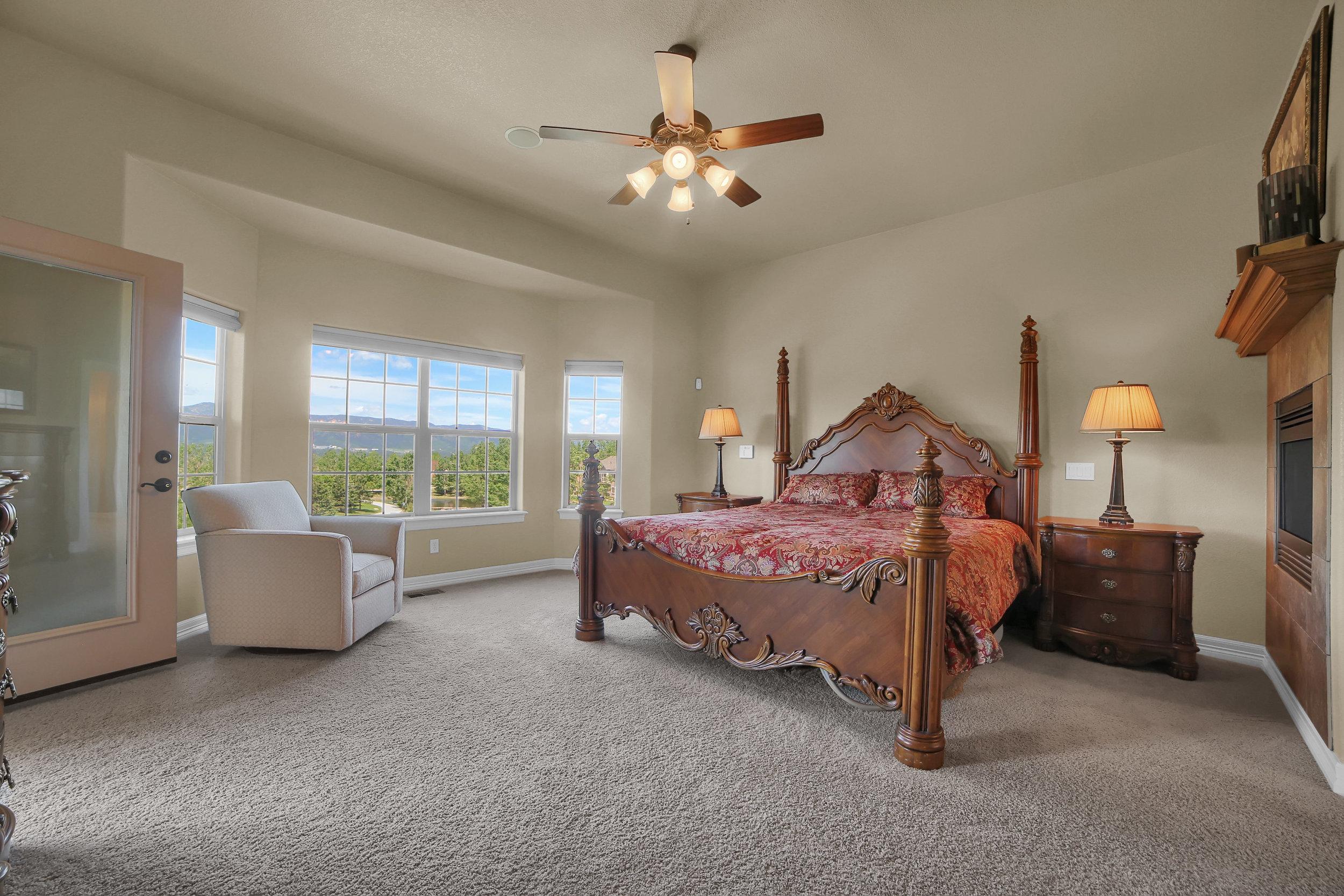 12496 Creekhurst Dr Colorado-print-050-031-Bedroom-3648x2432-300dpi.jpg