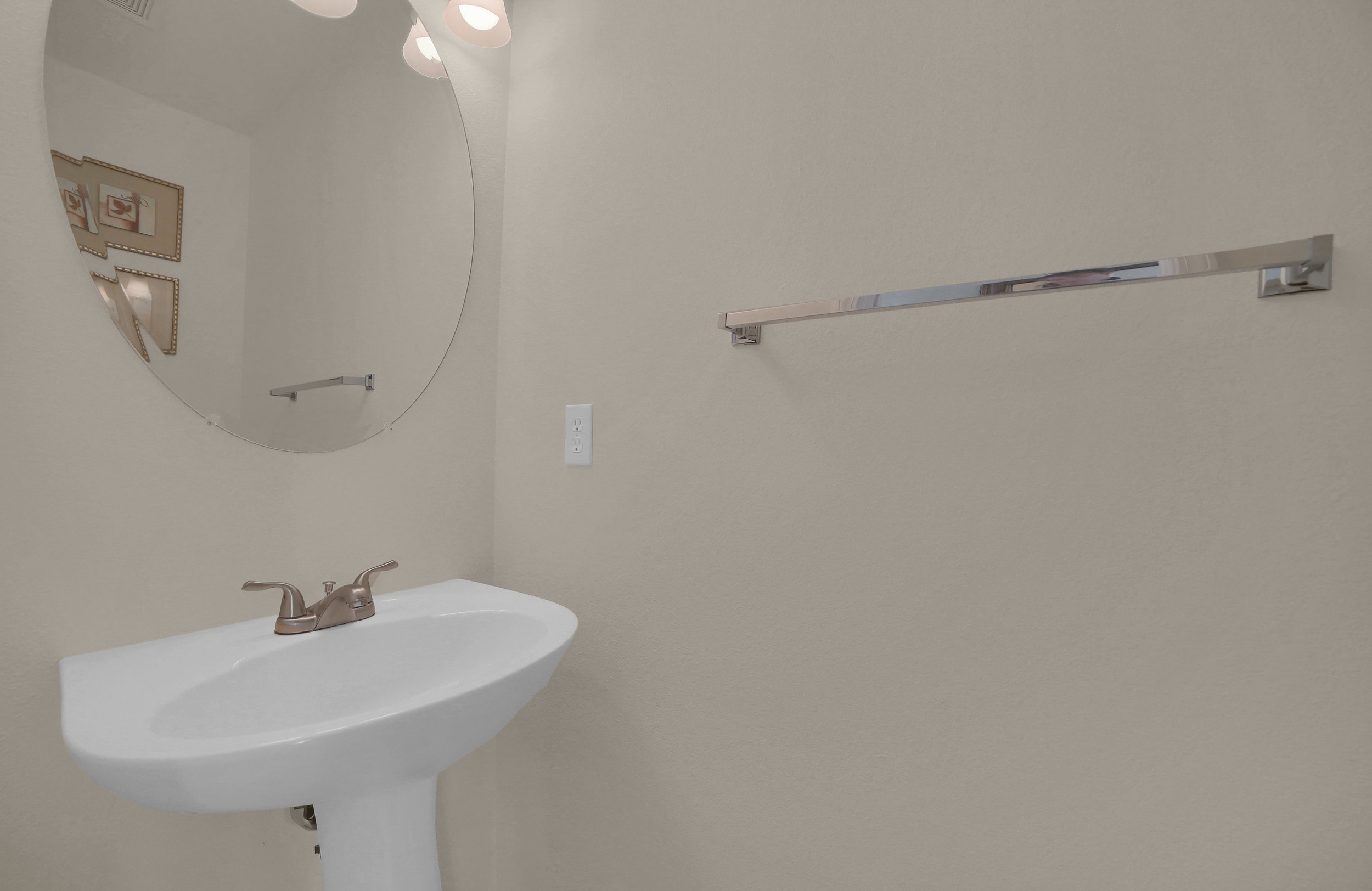 7414 Campstool Drive Colorado-print-017-015-Bathroom-3646x2369-300dpi.jpg