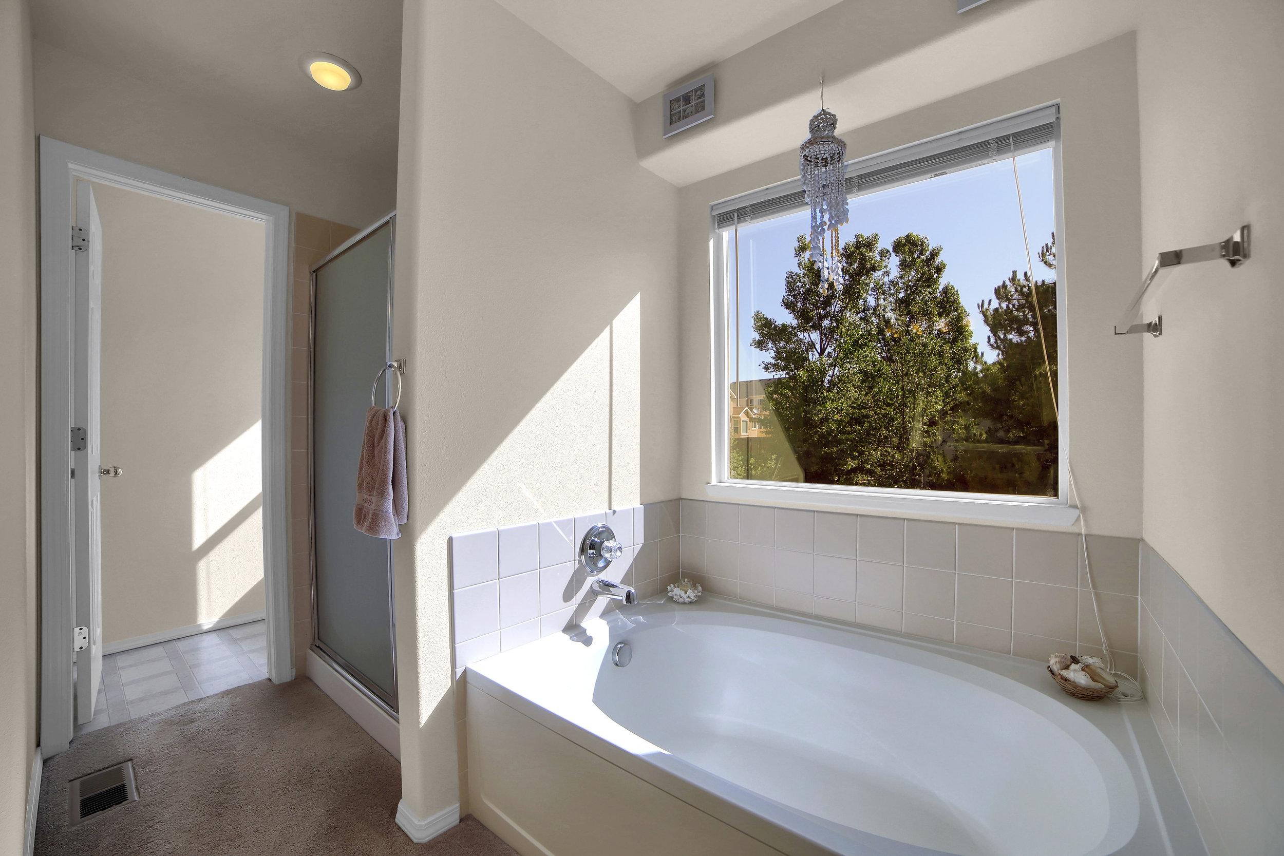 7414 Campstool Drive Colorado-print-020-019-Bathroom-3648x2432-300dpi.jpg