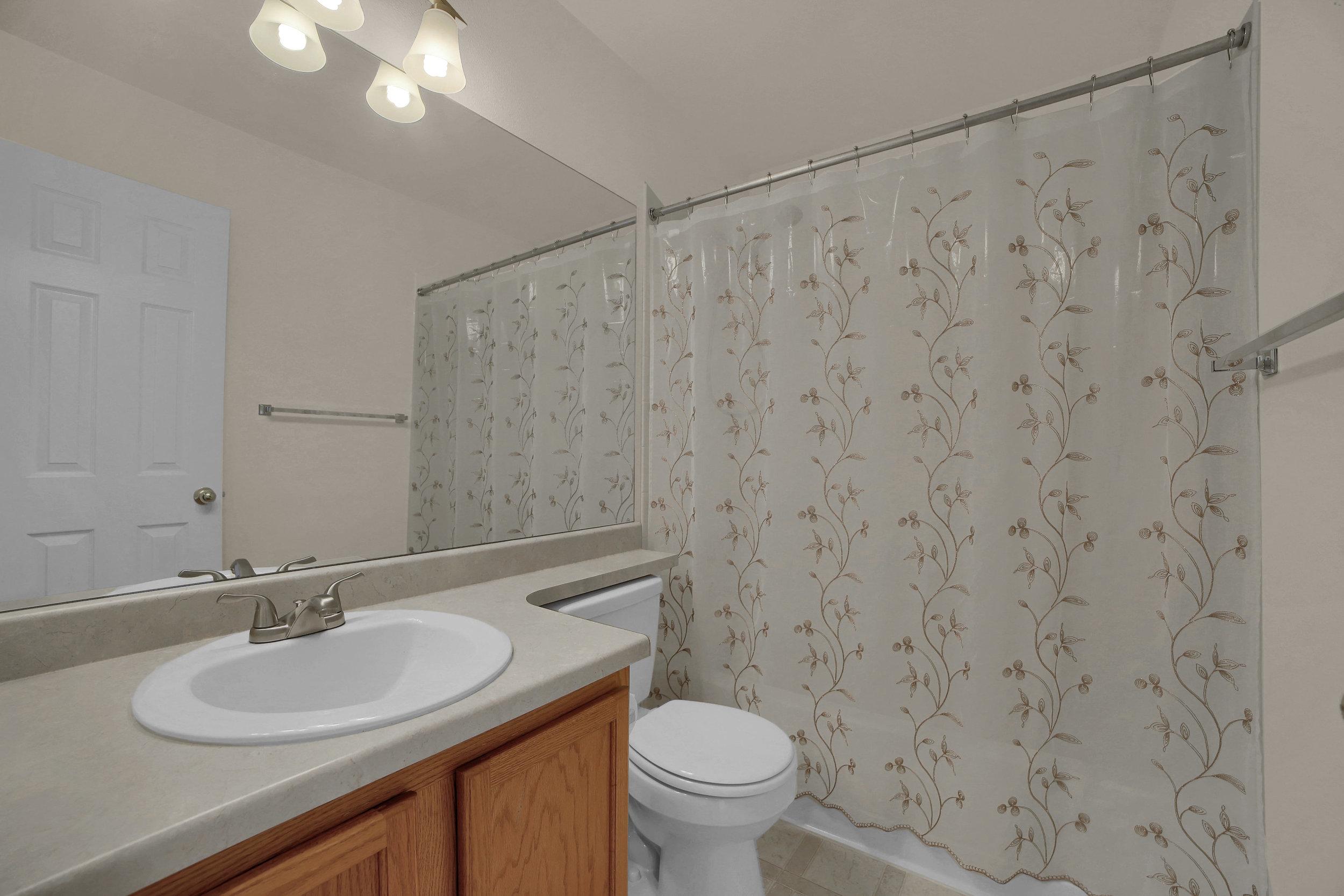 7414 Campstool Drive Colorado-print-027-024-Bathroom-3648x2432-300dpi.jpg